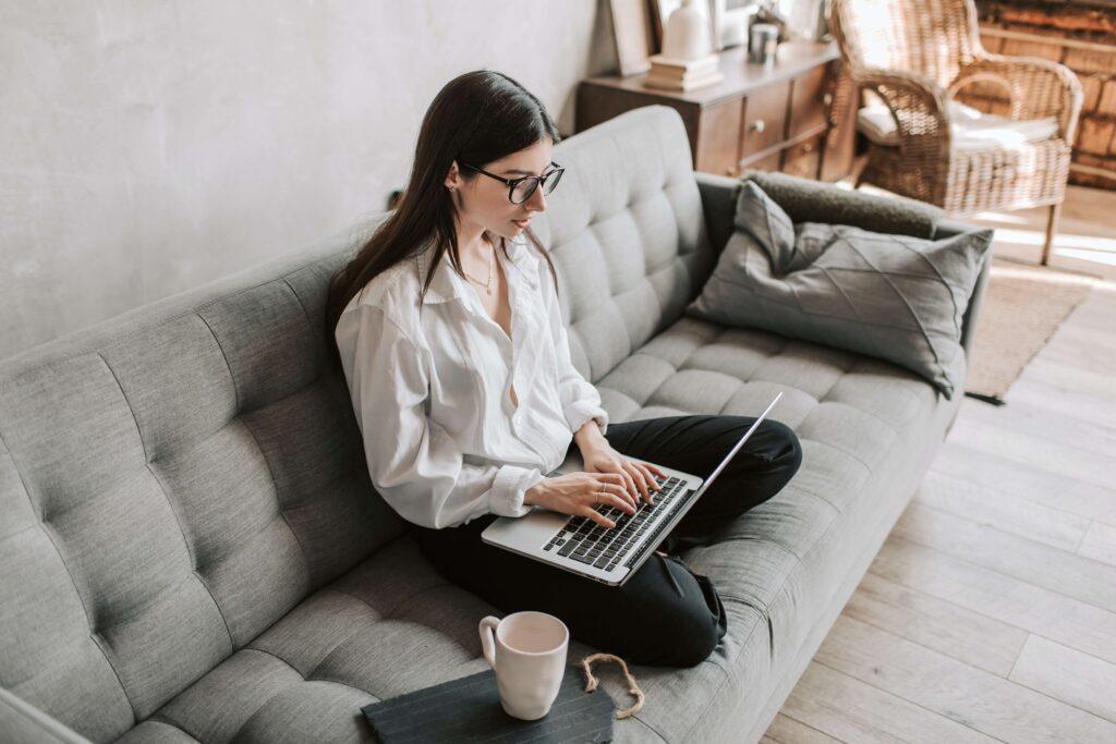 Erstelle in wenigen Schritten deinen Onlineshop mit Shopify und verkaufe deine Produkte online.